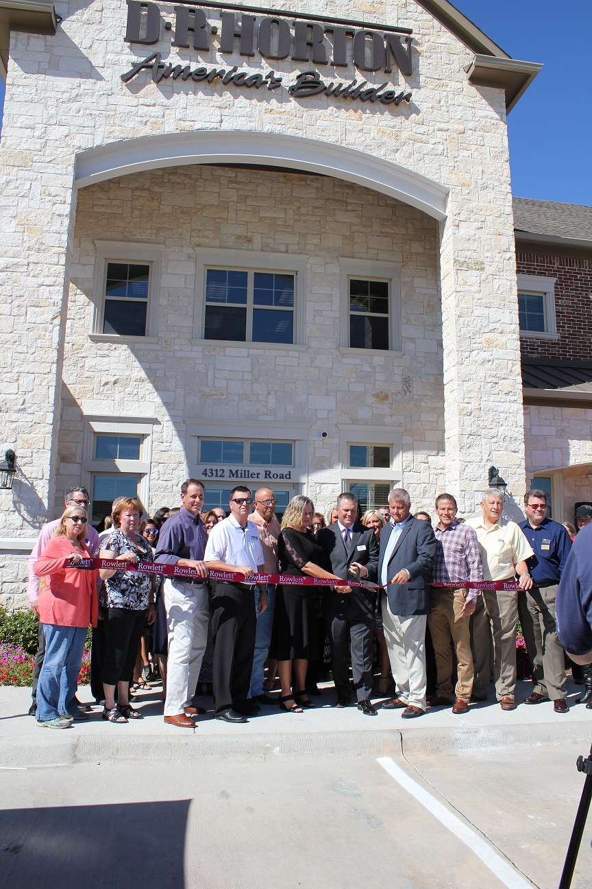 DHI Mortgage and DHI Title Ribbon Cutting