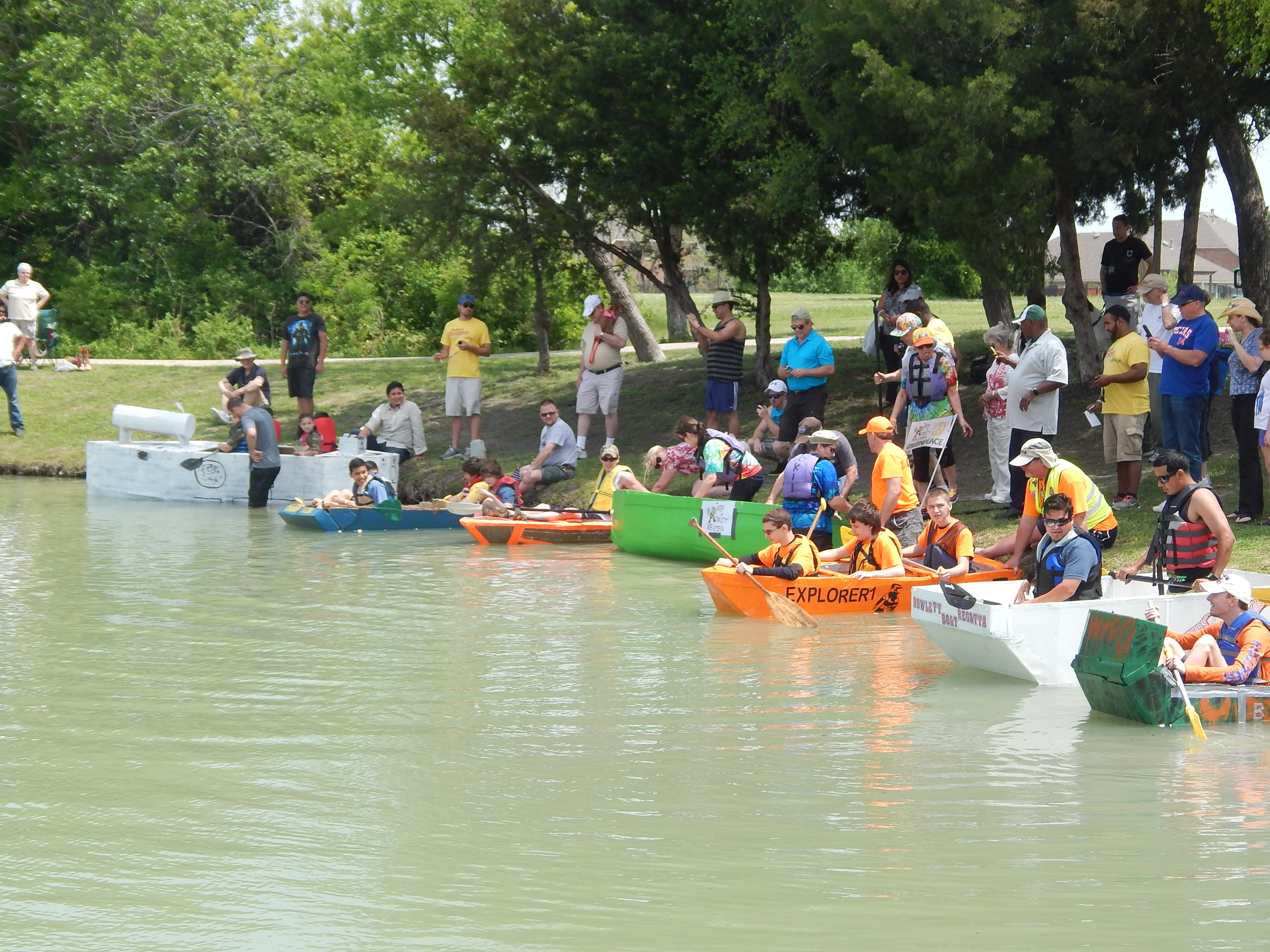 Many people getting into cardboard homemade boats