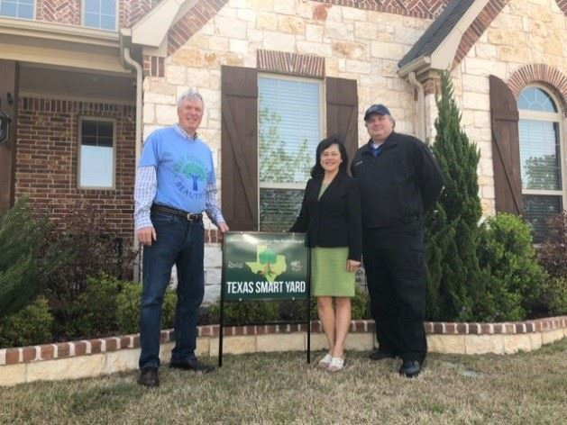 Cindy Ling and Smart Yard Sign