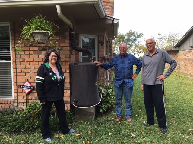 Smart Yard Winners Rob and Debbie Rose with Water Barrel