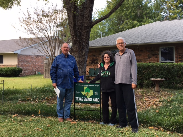 Smart Yard Winners Rob and Debbie Rose with Keep Rowlett Beautiful President Lonnie Cornwell